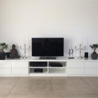 TV-Lowboard in Weiß