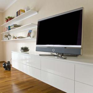 Trend bei schrankwerk sind grifflose / push-to-open Möbel