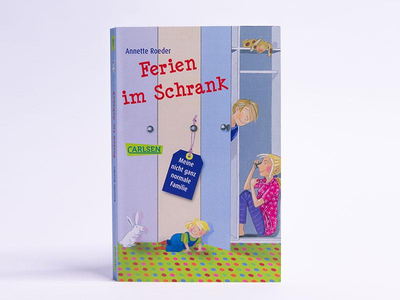 Buch: Ferien im Schrank von Annette Röder