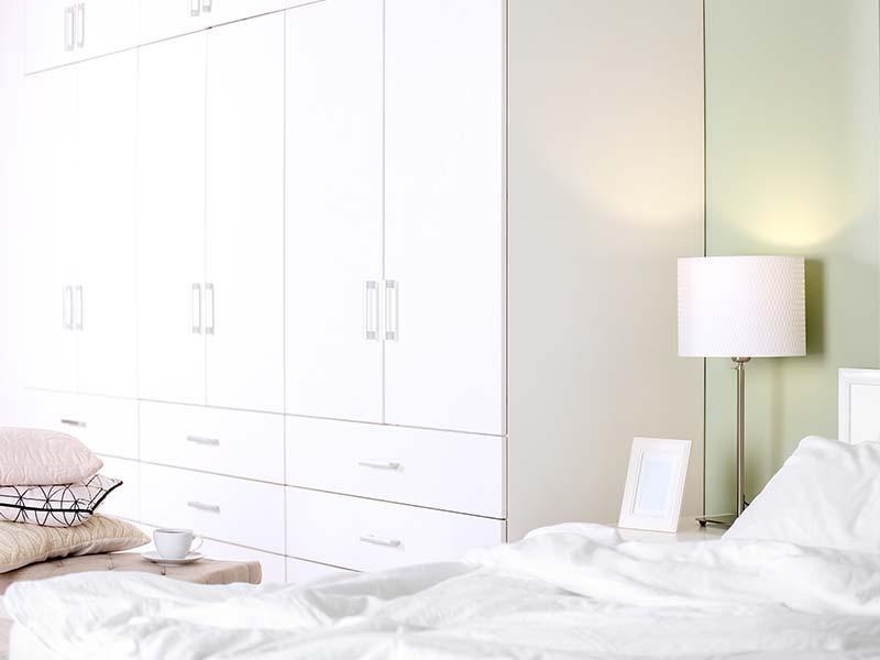 Schlafzimmerschrank weiß