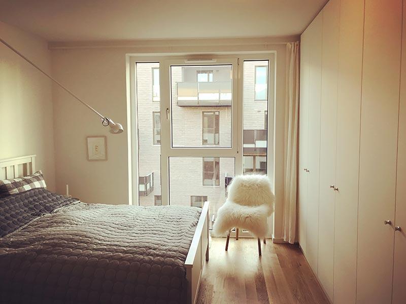 eingerichtetes Schlafzimmer im Shabby Chic