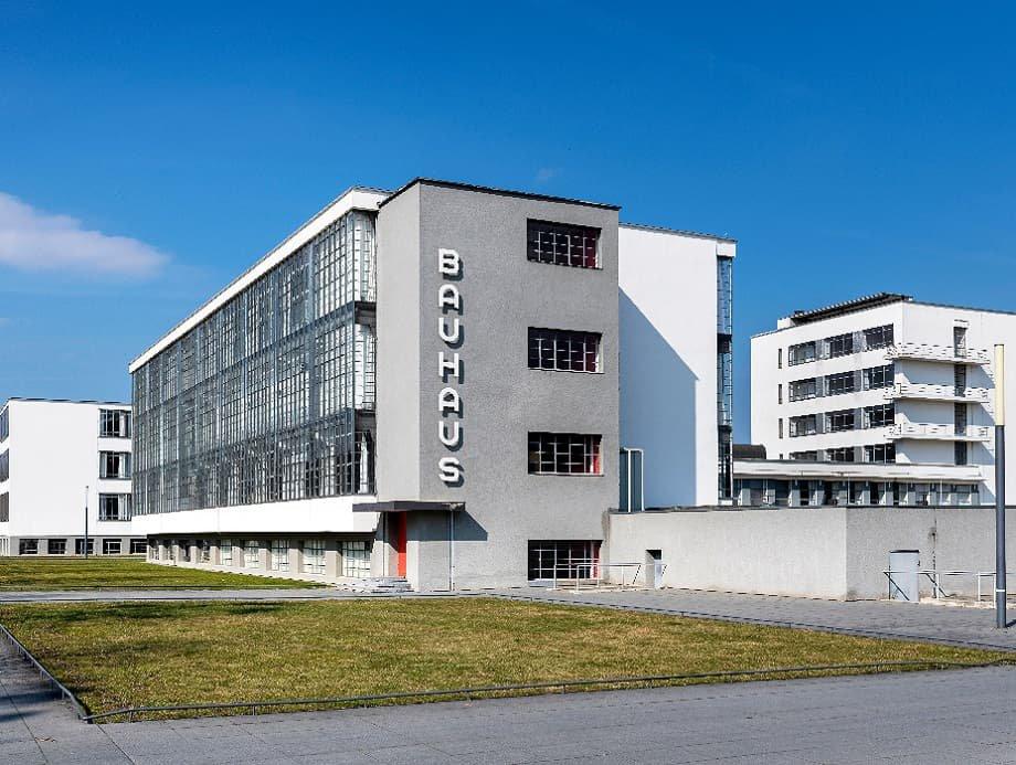 1925 zog das Bauhaus nach Dessau, wo die Schule ihre Blütezeit erlebte.