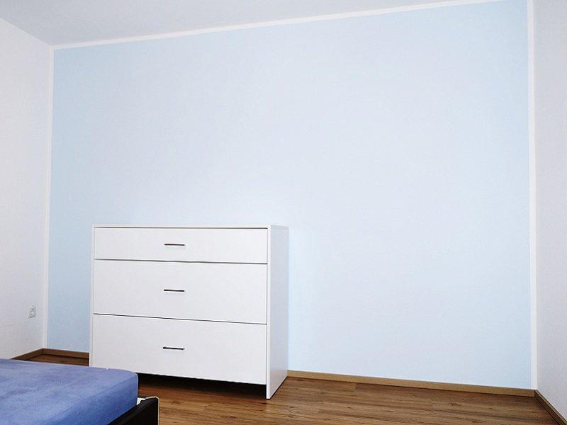 kommode weiß aufgebaut