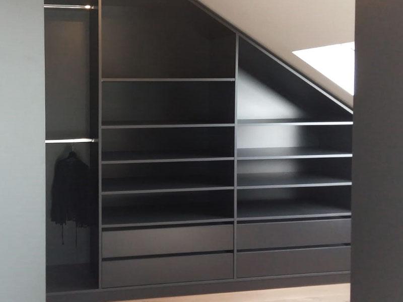 Kleiderschrank mit Dachschräge rechts in graphit für Ankleidezimmer
