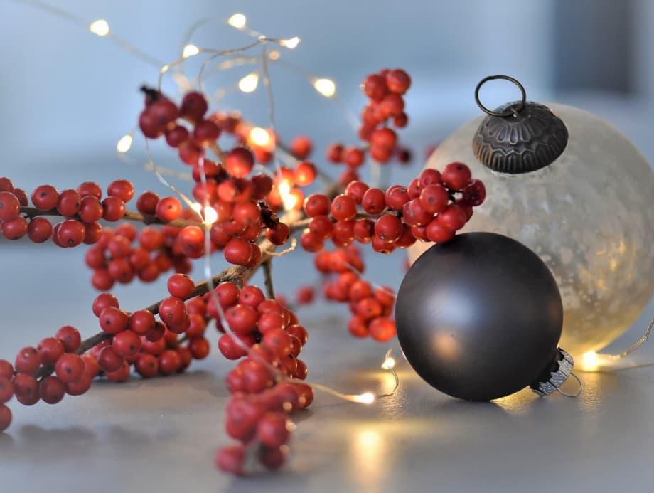 lichterkette-ilex-weihnachtsdekoration