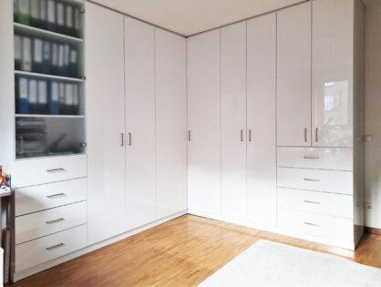 Schrankwerkstück des Monats Januar 2021 - Ein Büro mit integriertem Musikzimmer
