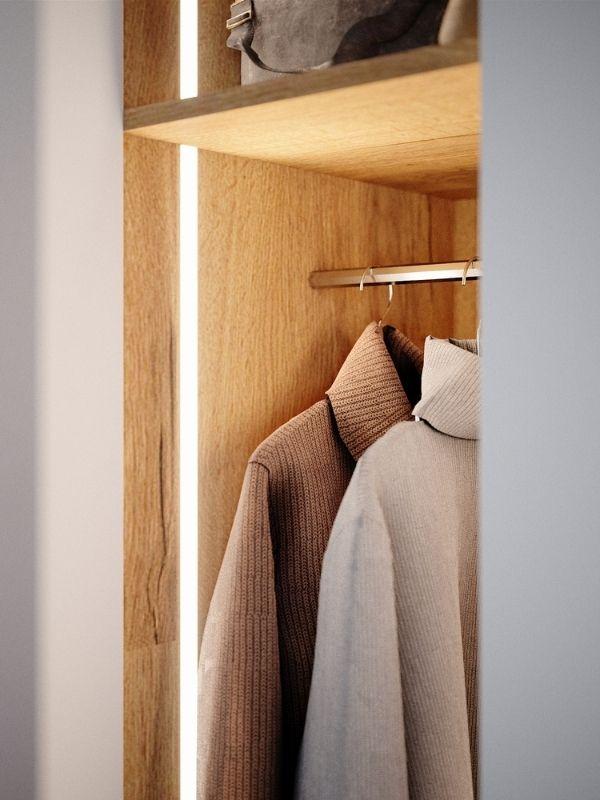 LED Lichtleiste im Kleiderschrank